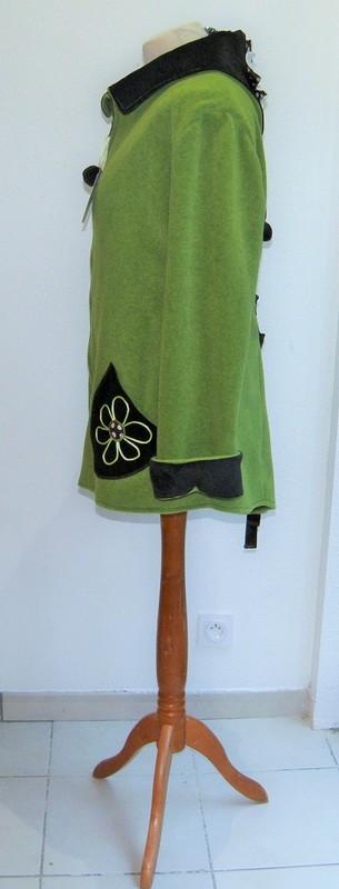 Polaire col lutin à lacets vert jeune pousse écru et choco T44-3804
