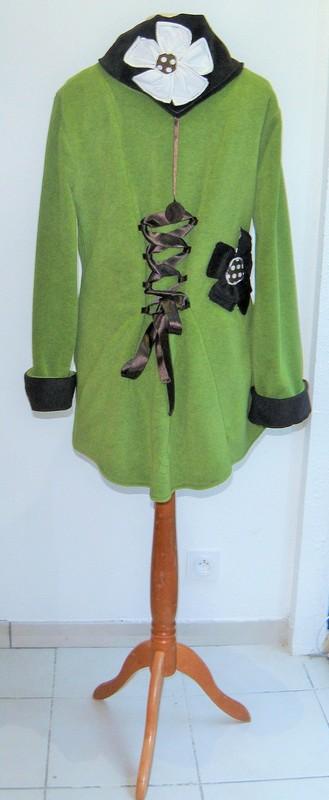 Polaire col lutin à lacets vert jeune pousse écru et choco T44-3805