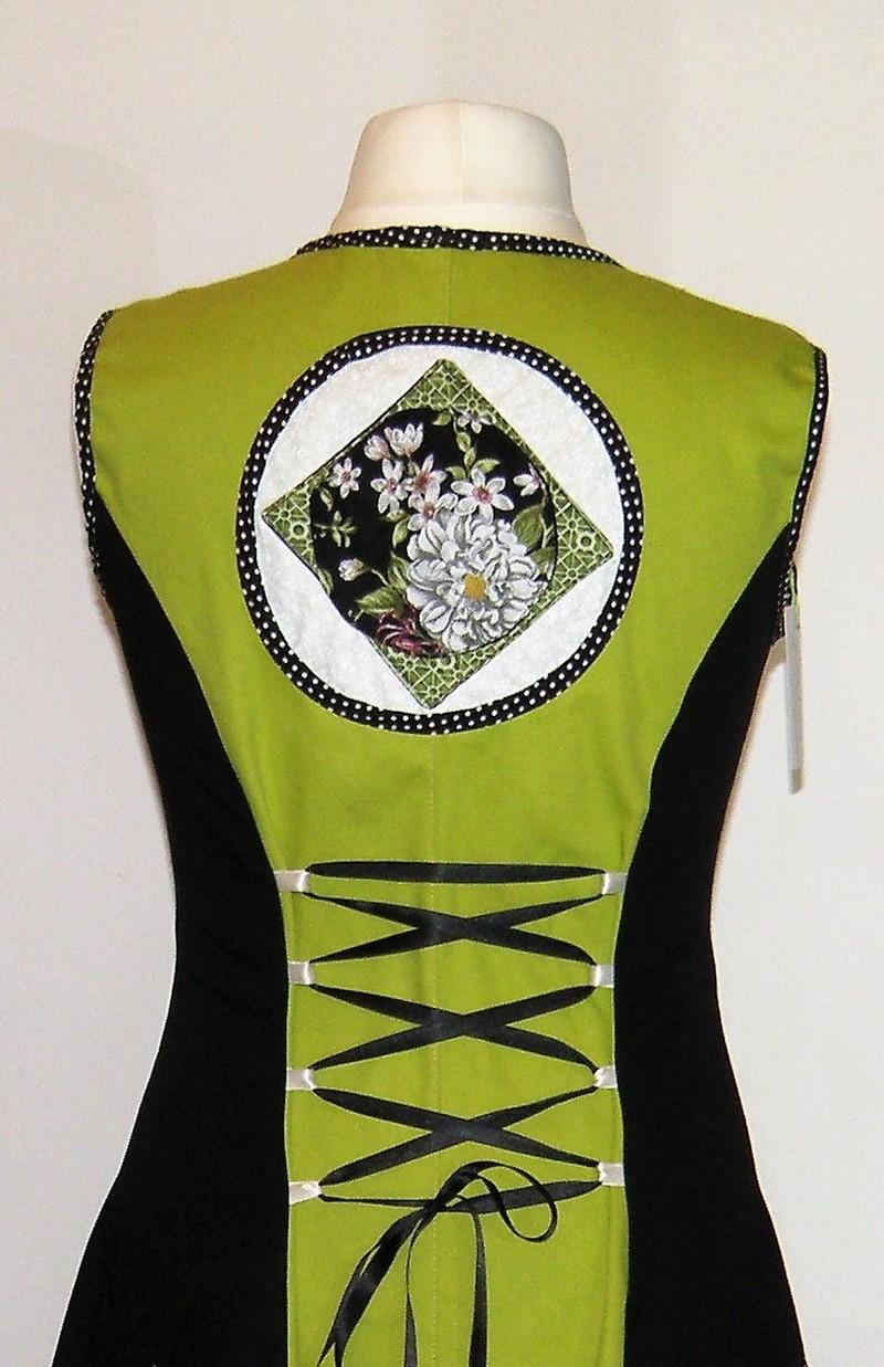 Robe en gabardine de coton noir et coton vert anis T42