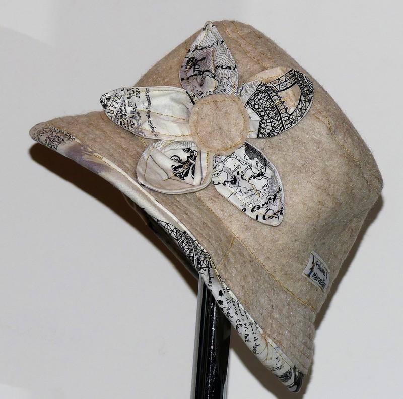 Chapeau en feutre de laine beige et coton «Paris»