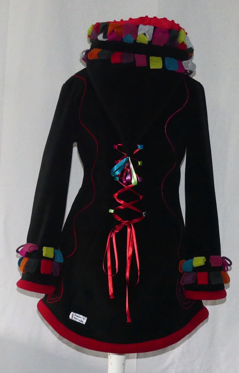 Veste à lacets en polaire noire et multicolore T38