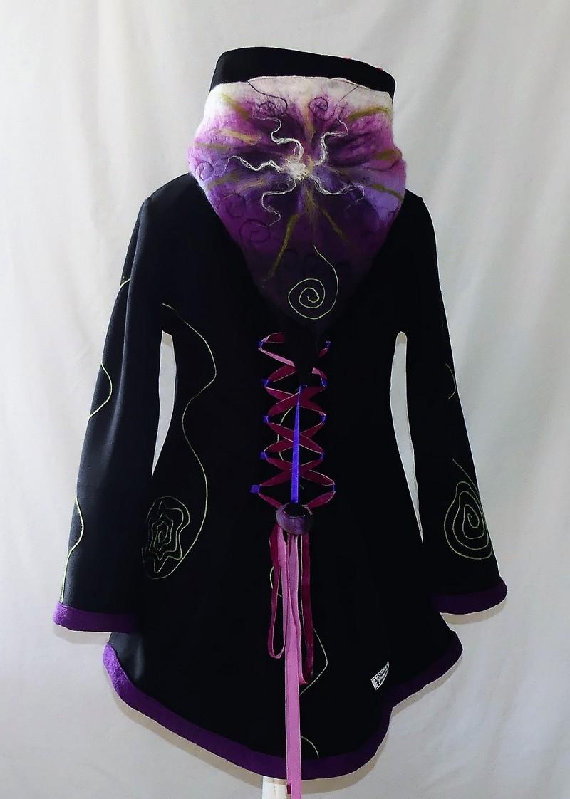 Veste à lacets en polaire velours noire et minky rose bonbon Taille 46