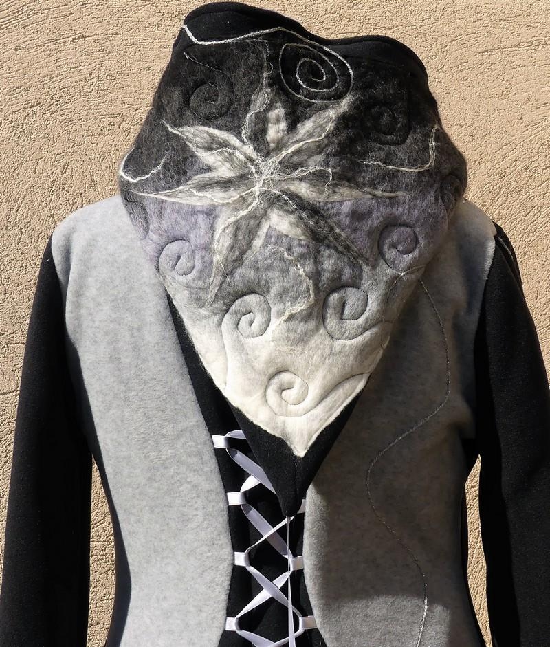 Veste manteau lutin en polaire velours noir et gris clair avec laçage T 42