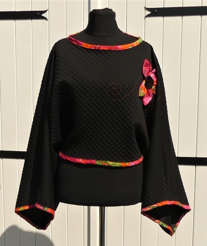 Poncho kimono court en jersey noir et grenade  mi-saison Taille unique