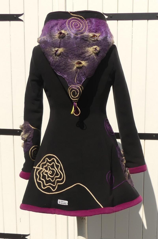 Veste princesse lutin en polaire noire et minky mauve =laine cardé T 38