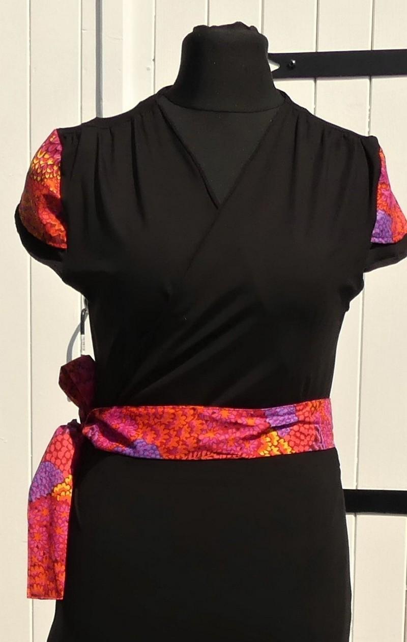 Robe portefeuille en jersey viscose noir et coton multicolore orange T44