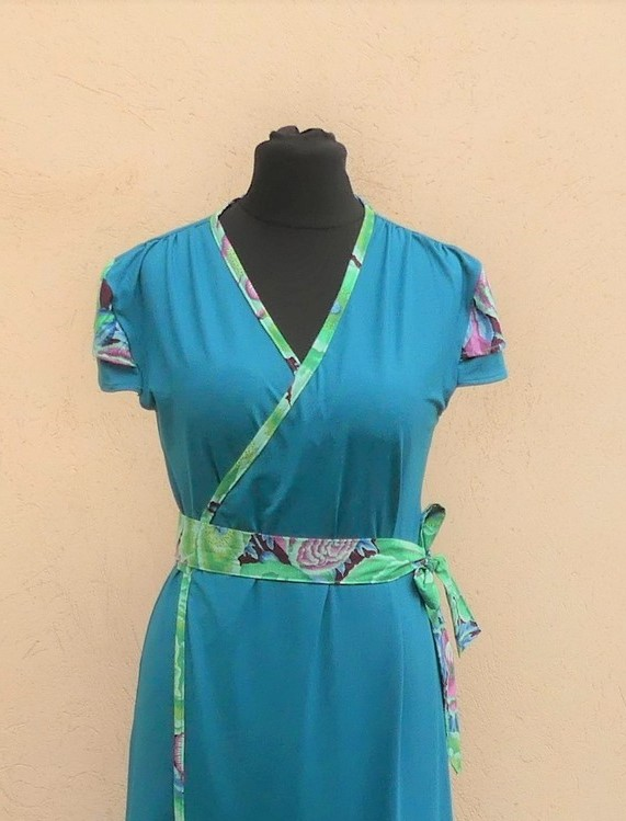 Robe portefeuille en jersey viscose sea blue et coton Japonais vert T40