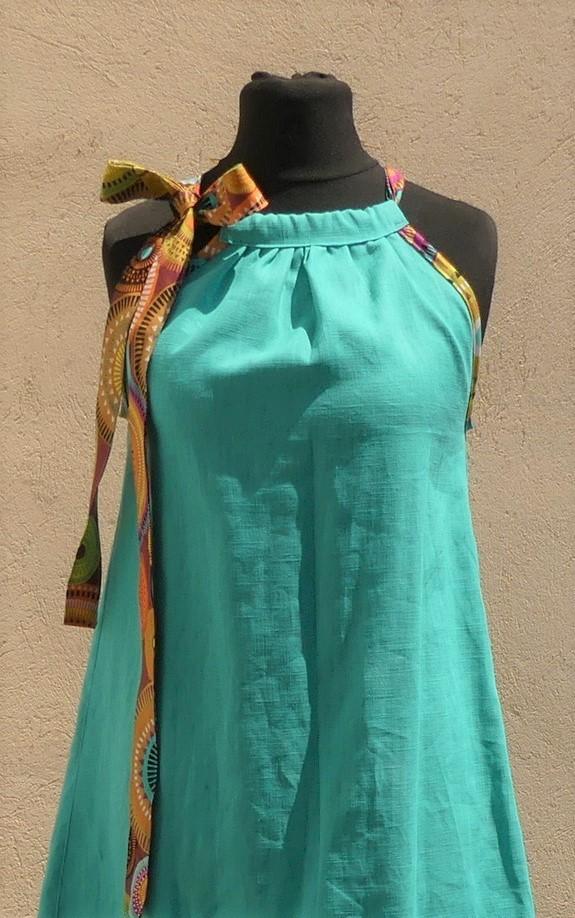Robe en lin turquoise à épaules dénudées taille 36/38