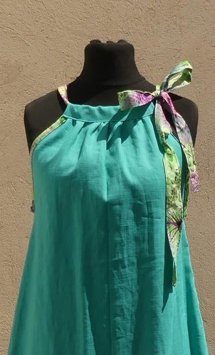 Robe en lin turquoise à épaules dénudées taille 40/42